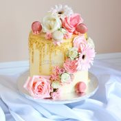 toll cake with flowers
