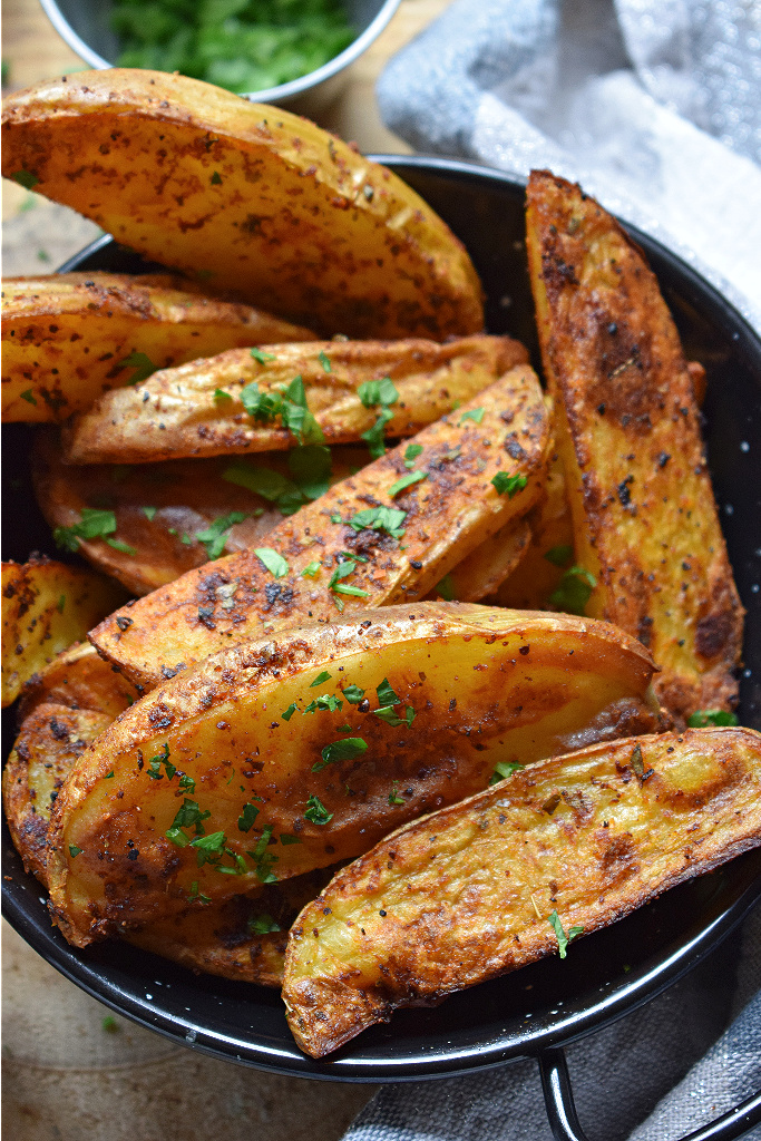 CLOSE UP OF THE SPICED POTATOES