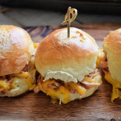 Cheesy Barbecue Chicken Sliders