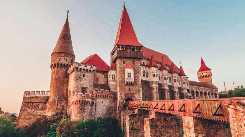 corvin castle hunedoara heritage trip romania