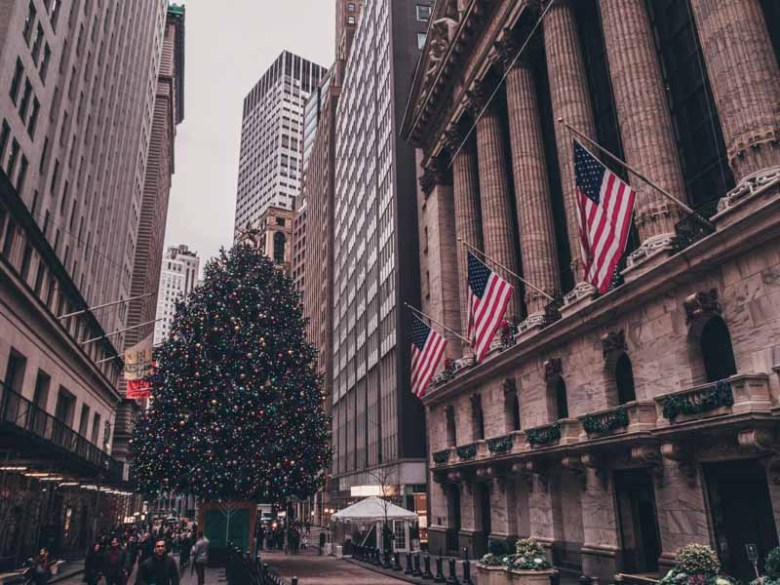 Visit the Christmas tree from the New York Stock Exchange