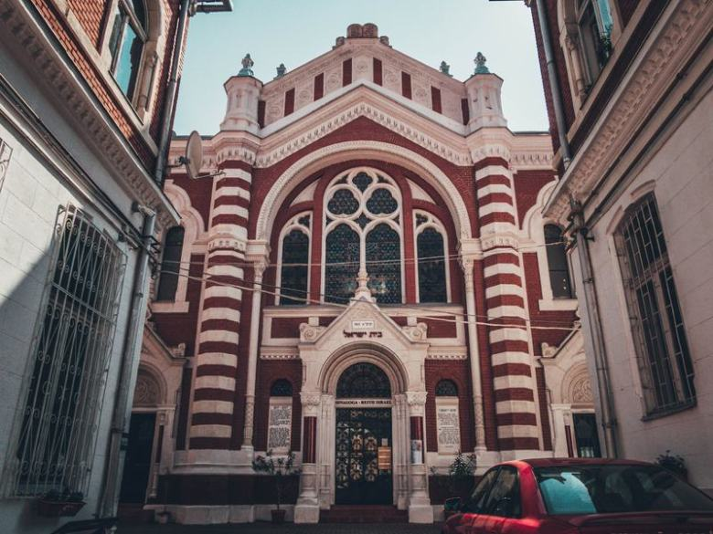 Beit Israel Synagogue Brașov Top 11 things to do in Brasov, Romania