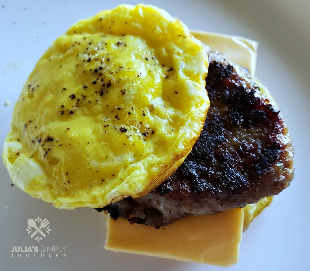 Baked Egg Muffins with Sausage and Cheese - Low Carb