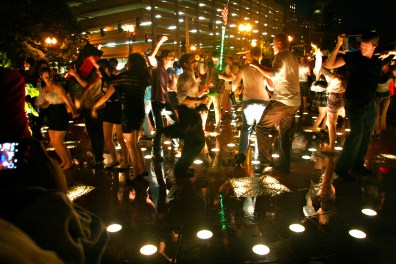 © Julia Swanson, 2012. The Decentralized Dance Party on the Rose Kennedy Greenway