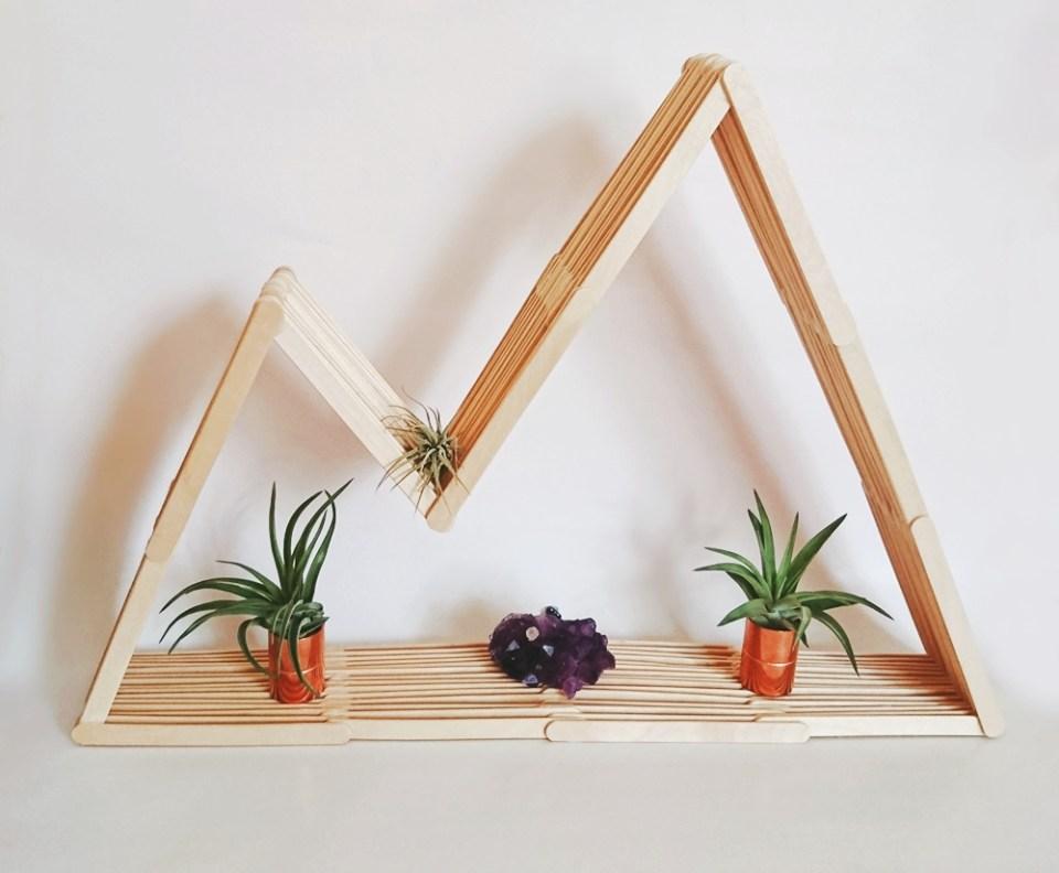 DIY Bergregal aus Holzstäbchen. Regal aus Eisstecker. Mountain shelf popsicle sticks, regal selber bauem berg (14)