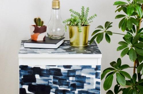 Decoupage Möbel, Möbel mit Stoff bekleben, Stoffe upcycling, So einfach kannst du deine langweiligen Möbel aufpeppen, ikea hack, ikea stoff möbel kleben basten mit mod podge, möbel DIY, DIY Interior, Do it yourself möbel ideen