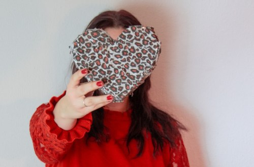 DIY Herz Pinata basteln | Valentinstagsgeschenkidee für Freundin | Valentinsgeschenkidee für Freund | DIY Valentinstag Geschenkideen | Herzpinata basteln | Do it yourself Pinata Herz