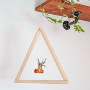 DIY Luftplanzen Halter aus Holz mit Kupferstück - DIY skandinavisch wohnen - DIY minimalistisch do it yourself wood for plants