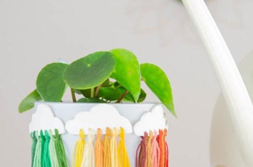 DIY Blumentopf Upcycling idee mit bunten wolkenanhängern | instatrend selber machen