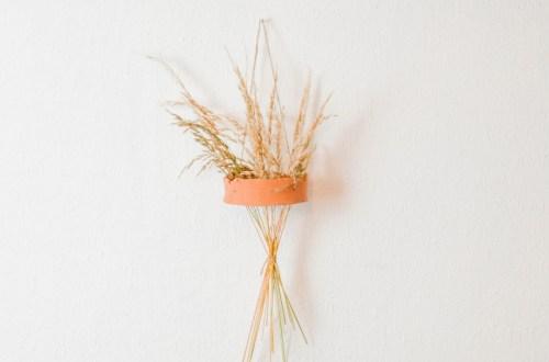 DIY Vase für Getreide - DIY Steck vase für trockengräser - vase für pampasgras selber machen - moderne und angesagte diy vase aus modelliermasse selber basteln