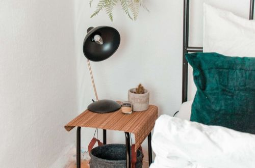 Ikea Hack: DIY Nachttisch bauen mit schwebenden Korb ohne Werkzeug. modernen DIY Nachttisch selber machen - Nachttisch Ideen