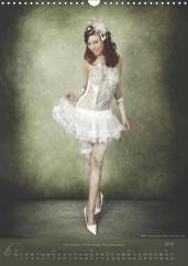 Artist: Julie Boehm Model: Ramona Schlössinger