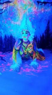 Julie Boehm UV Bodyart Makingof