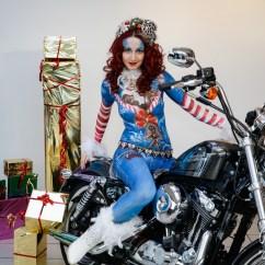 Weihnachten Bodypainting Julie Boehm Art