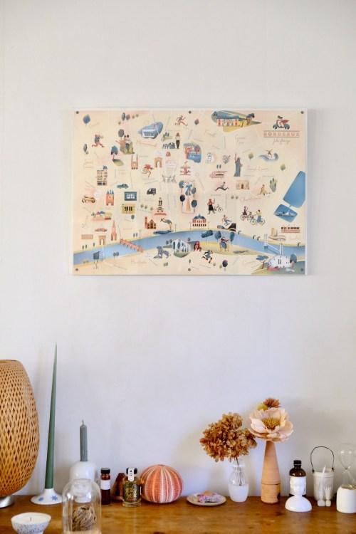 Poster de bordeaux accroché au mur