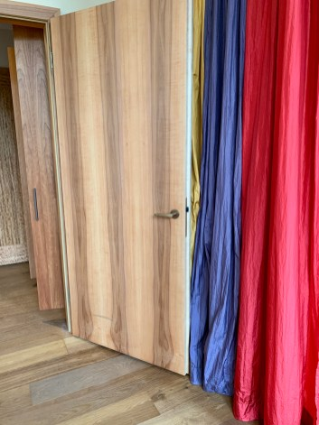 exotic woods and bright colours at Orania.Berlin