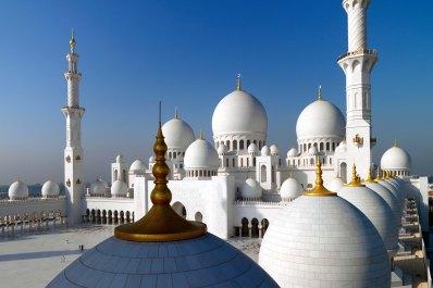 Sheikh Zayad Grand Mosque, image courtesy of Dept of Culture & Tourism, Abu Dhabi