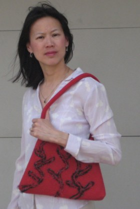 red purse shoulder