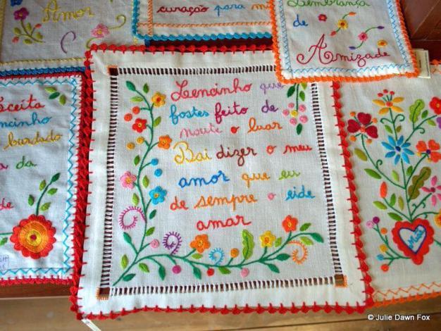 Lenços de amor / Handkerchiefs of love, Ponte da Barca