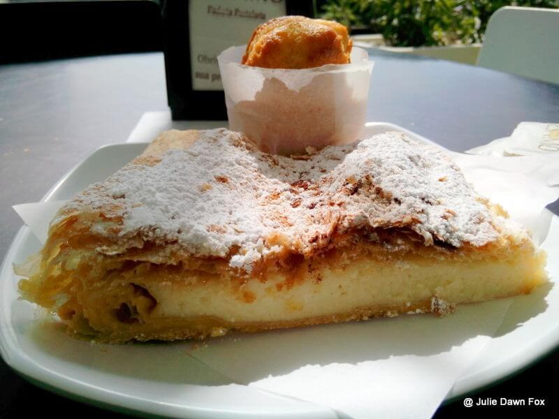 Madeiran cheesecake, Tarte folhada de requijão