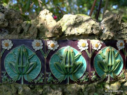 Frog ceramic tiles, Caldas da Rainha