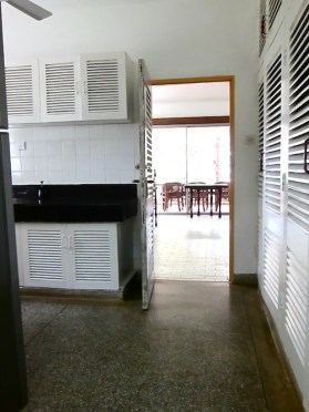 House 1. Kitchen3