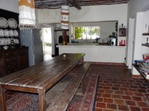 house dining to kitchen
