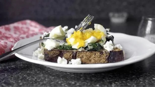 Poached-Eggs-Spinach-Ricotta-Cheese