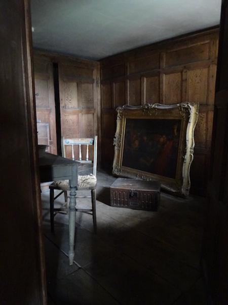 08-Secret room