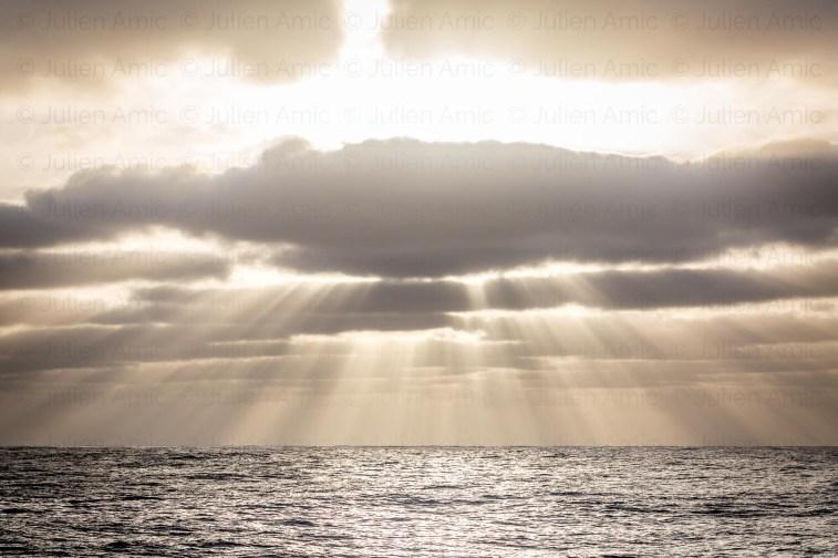 Jeux de lumière sur la mer