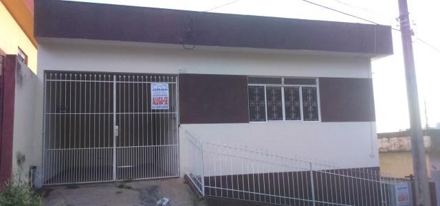 """Rua São Vicente, n° 311 – 2 quartos, sala, cozinha, banheiro, área de serviço, quintal e garagem. Valor: R$ 750,00 """" order_by=""""sortorder"""" order_direction=""""ASC"""" returns=""""included"""" maximum_entity_count=""""500″]"""