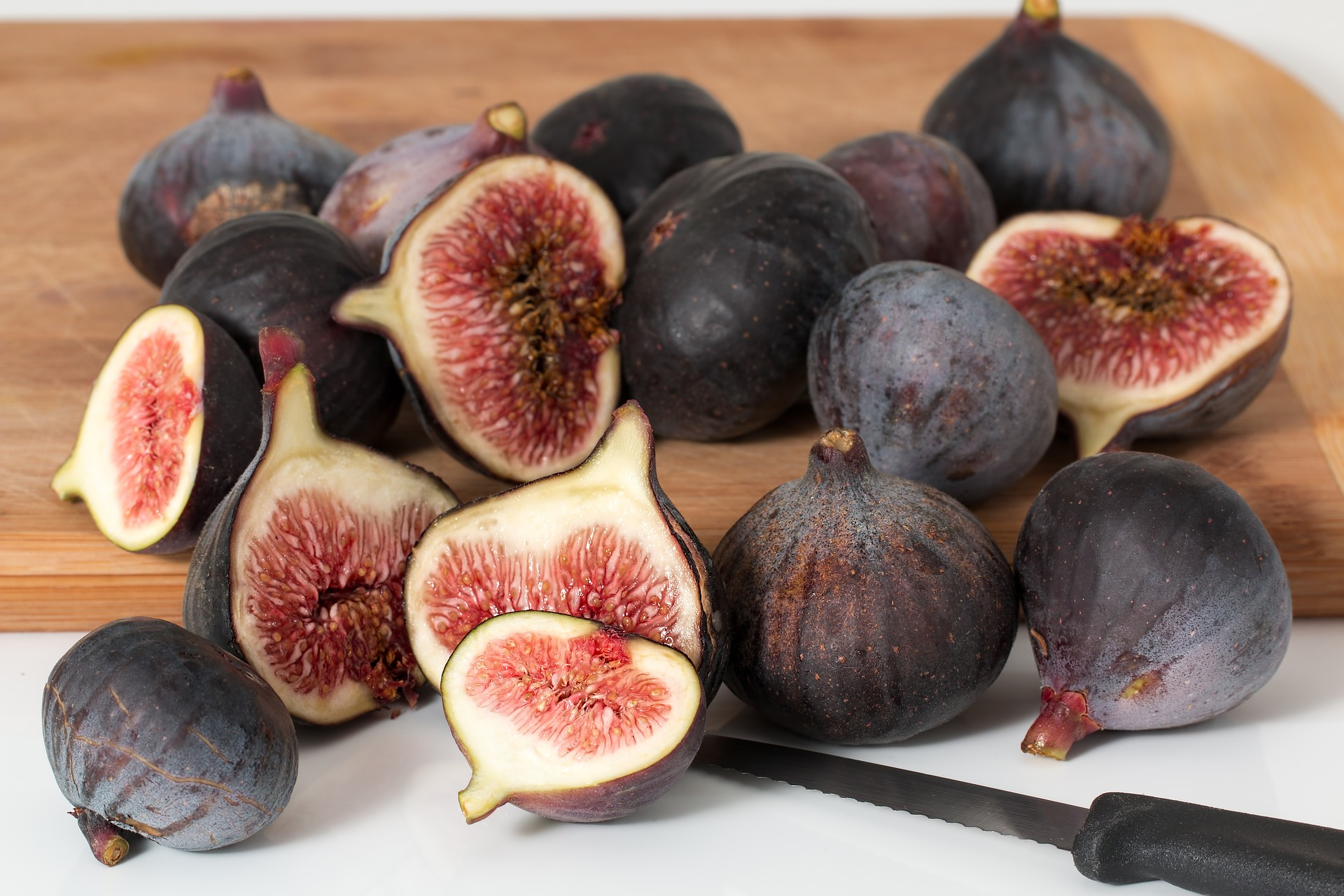 Figs dried: useful properties of the fruit of the fig tree 78