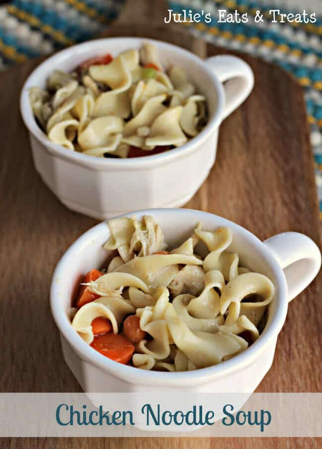 Chicken Noodle Soup ~ Hearty soup to warm you up on a cold winter day! www.julieseatsandtreats.com #recipe #soup