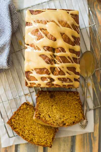 pumpkin-bread-with-cream-cheese-caramel-icing-3