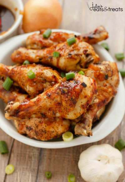 Honey Garlic Chicken Drumsticks - Take a cost-effective cut of chicken and transform it into something amazing for a weeknight meal!