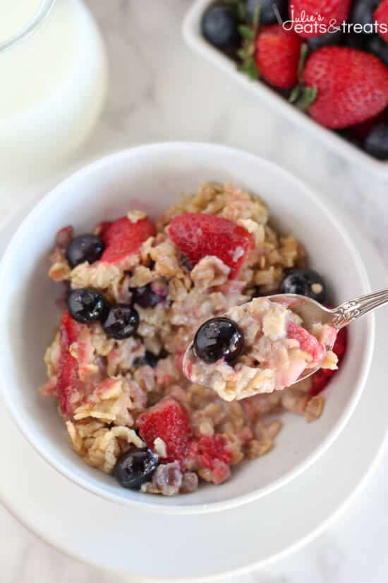 Mixed Berry Vanilla Baked Oatmeal - This easy baked oatmeal is filled with oats, maple syrup, fresh berries and fragrant vanilla. It's the perfect make-ahead breakfast for busy mornings.