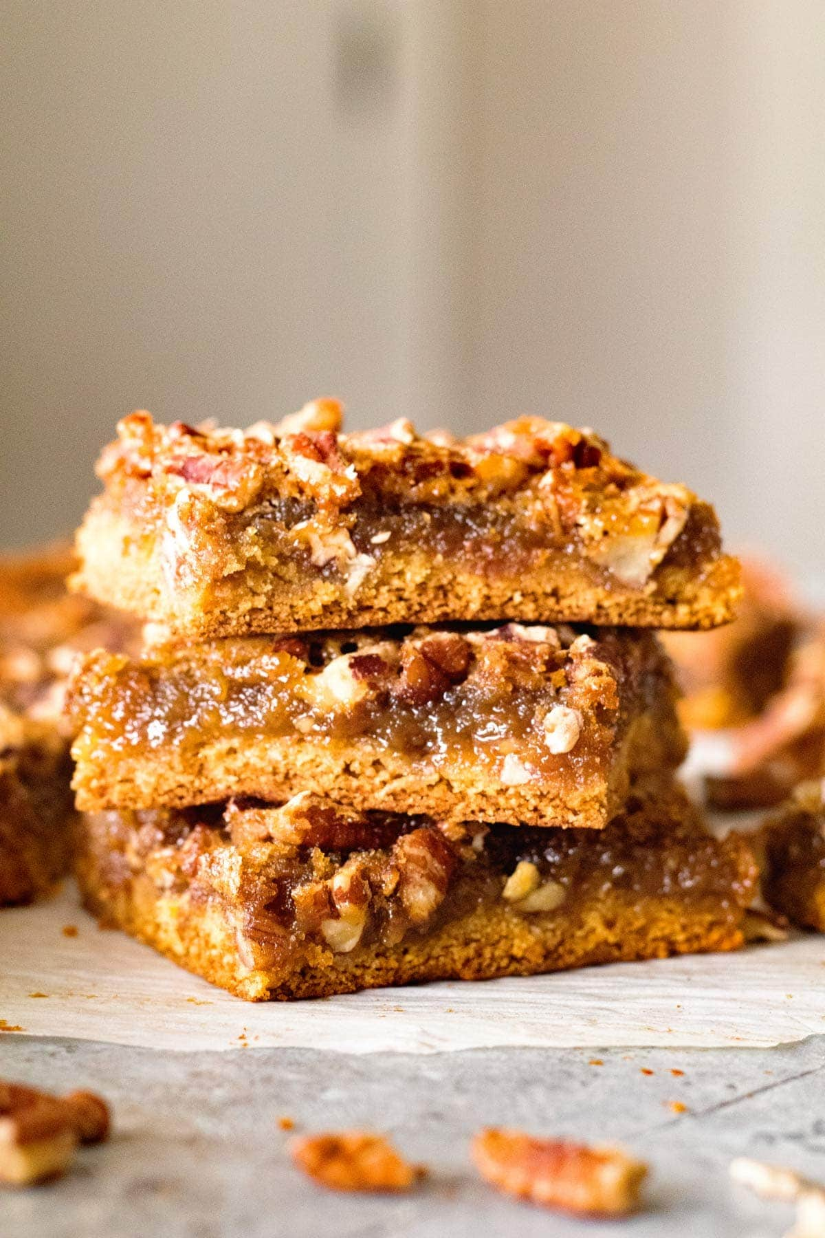 Easy Pecan Pie Bars ~ Delicious, Buttery Pecan Pie Bar Recipe with a Cake Mix Crust, Gooey Middle and Loaded with Pecans! This Recipe Will Be Your New Favorite For the Holidays!