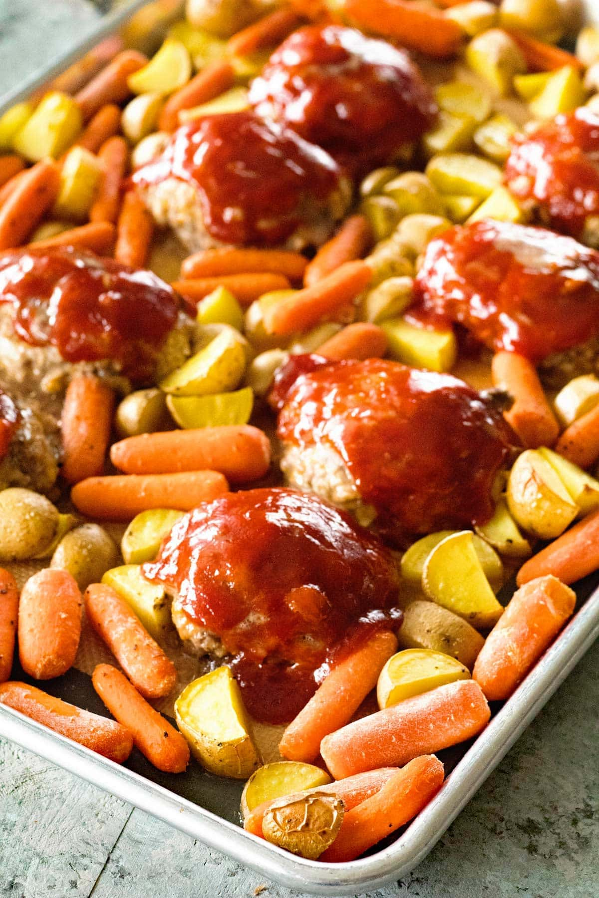 Sheet Pan Mini Meatloaf And Veggies Julie S Eats Amp Treats