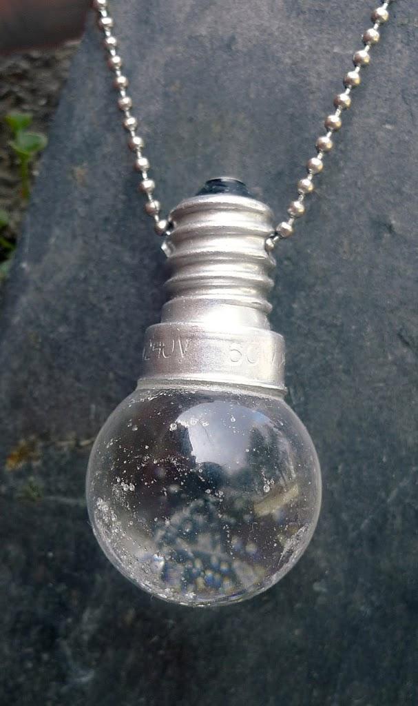 Ampoule blanche
