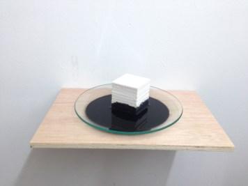 capilaridad #6 madera, plato de cristal, papel y tinta medidas variables 2014
