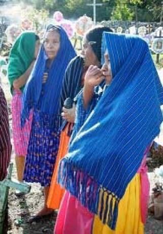 Mujeres Xi'oi.