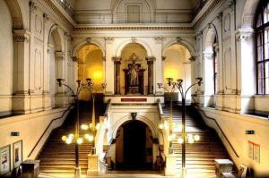 Uni Wien Juristenstiege - Bild: Wikipedia