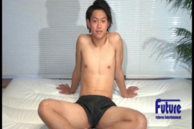 [Future Boy] YI1002593 – あの人気モデルと密室プライベート!!まったりと絡み合う姿は必見!!
