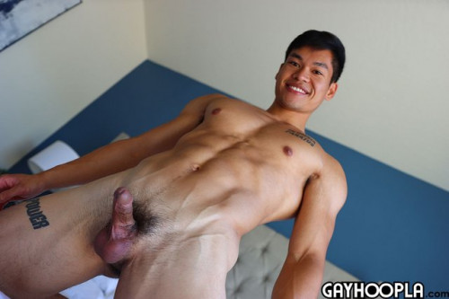 GayHoopla – Martial Artist and Danny Panton