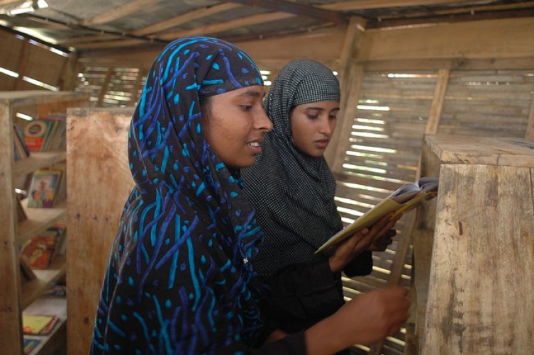 Bangladesh Library Boat. Photo by Gates Foundation