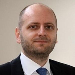 Prof. Dr. Sascha Raithel