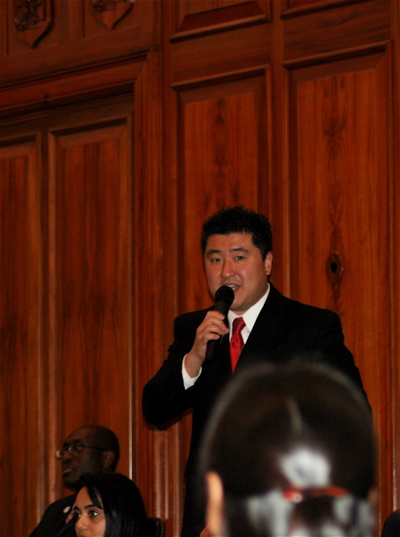 Jun Speaks at his Naturalization Ceremony