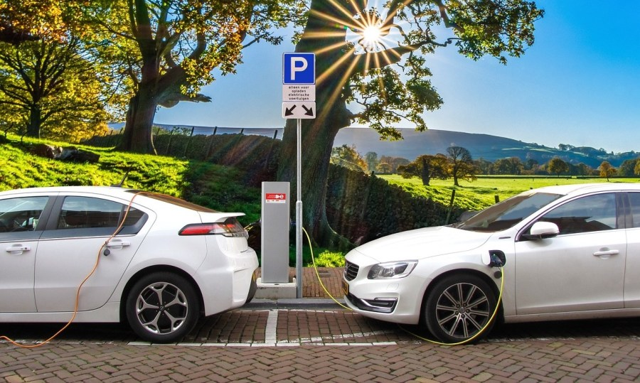 More+charging+stations+are+needed+to+make+long+trips+viable+in+Australia
