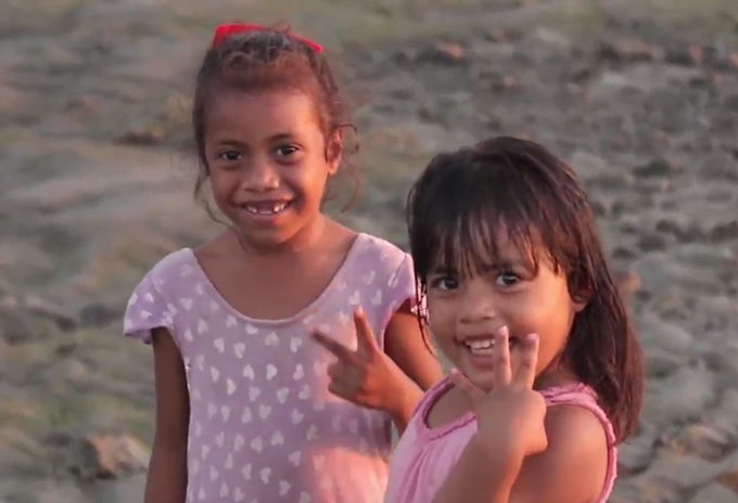 Banaban+girls+on+Rabi+Island%2C+northern+Fiji.+Clip+from+the+Banabans+of+Rabi+documentary+trailer.