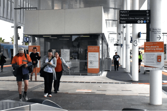 Passengers+need+to+change+at+Frankston+Station+to+get+on+the+Stony+Point+train.+Picture%3A+Michelle+La+